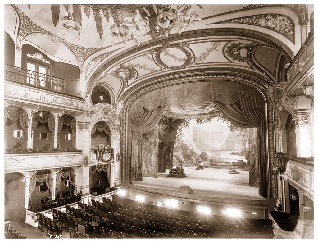"""Интериорът на Народния театър """"Иван Вазов"""", София,1900-1910 г. ©Георг Волц"""